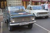 Soviet car Moskvich-408 on retro rally Gorkyclassic,  GUM, Moscow, front view — Stockfoto