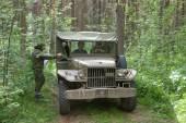 """Old U.S. army Dodge WC-51 on retro rally in the woods, 3rd international meeting """"Motors of war"""" near the city Chernogolovka, Moscow region — Stock Photo"""