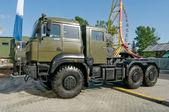 """Rusya yeni kamyon """"Ural-6370"""" sergi """"entegre emniyet ve güvenlik-2014"""", Moskova, Vvc, sol taraftan görünüm — Stok fotoğraf"""