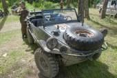 """German floating retro car Volkswagen Swimmwagen Typ 166 at the 3rd international meeting of """"Motors of war"""" near the town of Chernogolovka, Moscow region, a front view — Stock Photo"""
