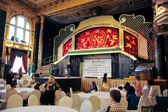 """The view of the stage of the historic restaurant """"Yar"""", Moscow, MOSCOW, RUSSIA — Stockfoto"""