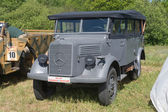 """German old car Mercedes-Benz L 1500A Kfz.70 front, the 3rd international meeting of """"Motors of war"""" near the town of Chernogolovka, Moscow region — Foto de Stock"""