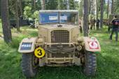 "The British commander's car Humber FWD at the 3rd international meeting of ""Motors of war"" near the town of Chernogolovka, front view — Stock Photo"