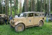 "The British commander's car Humber FWD at the 3rd international meeting of ""Motors of war"" near the town of Chernogolovka, Moscow region — Stock Photo"