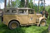 "The British commander's car Humber FWD at the 3rd international meeting of ""Motors of war"" near the town of Chernogolovka, Moscow region, side view — Stock Photo"