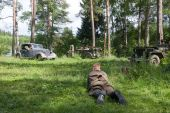 """Rest in the forest, 3rd international meeting """"Motors of war"""" near the city Chernogolovka, Moscow region — Stock Photo"""