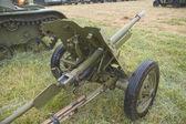 "Soviet 45-mm gun, rear view,  3rd international meeting ""Motors of war"" near the town of Chernogolovka, Moscow region — Stock Photo"