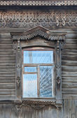 Window in an wooden house, ethnic house and window, Siberia, Russia — Stock Photo