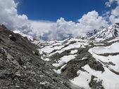 Ngozumba Glacier and moraine — Stock Photo