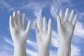 White Molded Plaster-of-Paris Hands Reaching Skyward — Stockfoto
