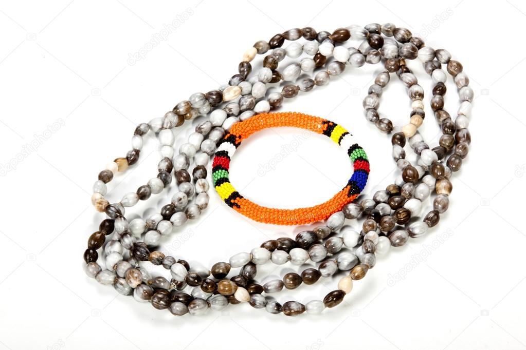 Collar con brazalete naranja brillante de abalorios de Zulú\u2014 Foto de lcswart