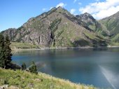 Tableland lake China Sinjiang's Tianchi  Is tableland lake — Stock Photo