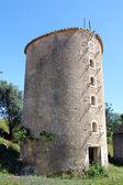 старая мельница в португалии — Стоковое фото