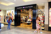 Томми Хилфигер магазин. — Стоковое фото