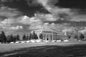 Ancient palace in Tsaritsyno park — Stock Photo