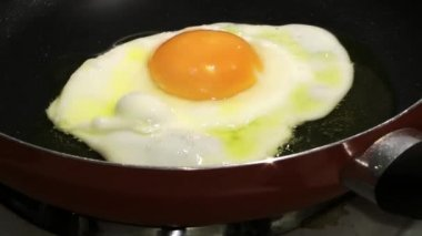 Cooking Egg — Stock Video