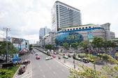 Bangkok, Thailand - Aug 25 2014: Heavy traffic passes in front o — Stock Photo