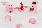 Decorative teddy bears and toys in the snow — Stock Photo