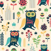 Colorful floral seamless pattern with love owls. — Stock Vector