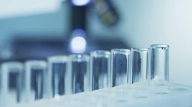 Using Digital Dropper in Laboratory — Stock Video