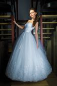 Young beautiful bride — Stock Photo