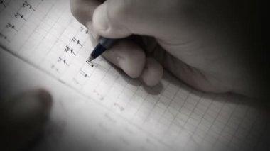 Pupil writes digits — Stock Video