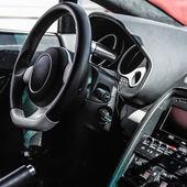 Wnętrze samochodu sportowego — Zdjęcie stockowe