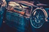 Radio in interior of old car. Vintage effect processing — Foto de Stock