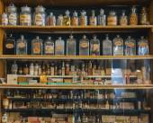 Empty scent bottles — Stockfoto