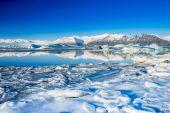 Large glacial lake — Stock Photo