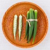 Lady 's Fingers or Okra clean and healthy food on white table . — Fotografia Stock
