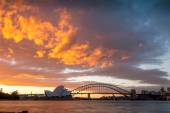 Sunset over Opera house — Stock Photo