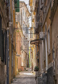 Cluttered Corfu street — Stock Photo