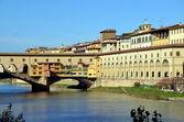 Ponte Vecchio and the Uffizi Gallery — Zdjęcie stockowe