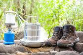 Camping e caminhadas equipamentos — Fotografia Stock