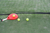Paddle balls and racket — Stockfoto