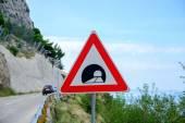 Označení silniční tunel v horách — Stock fotografie