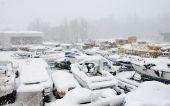 Pleasure boats under snow — ストック写真