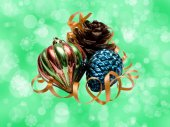 Christmas baubles and pine cone — 图库照片