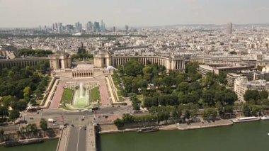 Havadan görünümü Paris şehri — Stok video