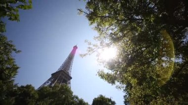 The Eiffel Tower in Paris — Stock Video