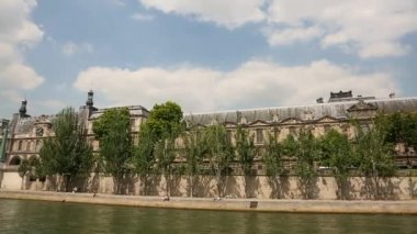 View from Seine river on Louvre — Stock Video