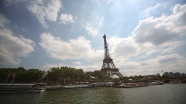 View of Eifel tower and the river Seine — Stock Video