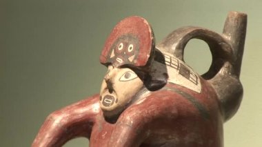 Ancient artifacts and findings — Stock Video