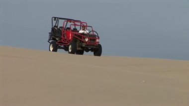 Buggy trip in the sand desert — Stock Video