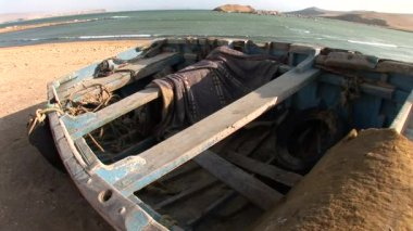 Old fishing boat at Paracas National Park — Stock Video
