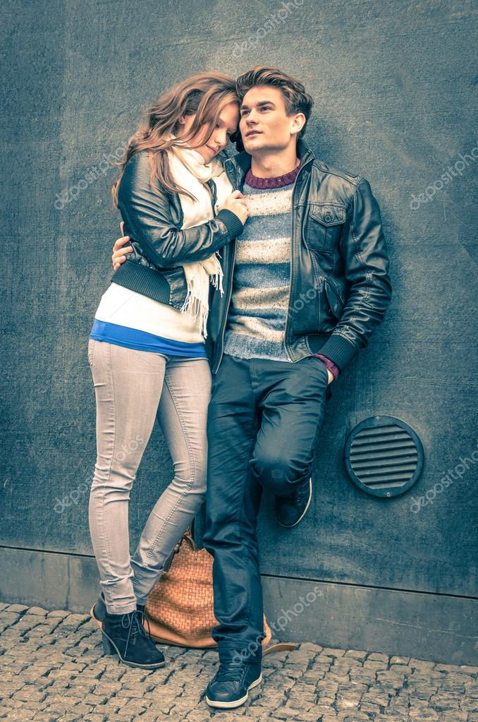 Modern fashion hipster couple of young lovers with autumn ...