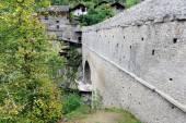 Roman aqueduct bridge — Stock Photo
