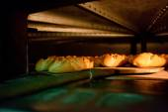 Oven inside plenty of bread — Stockfoto