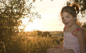 Toddler girl on dehesa sunset — 图库照片